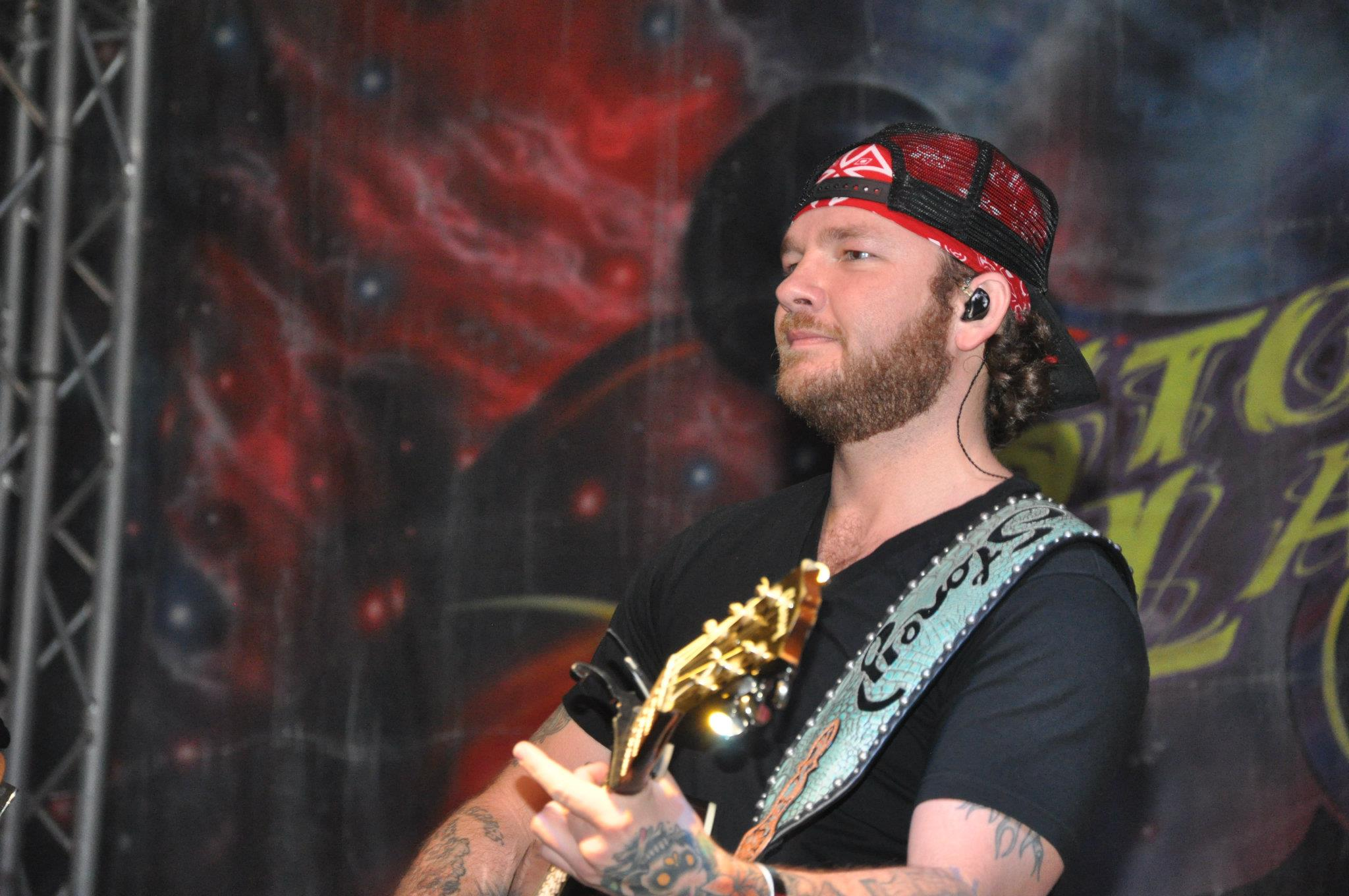 Over 1500 Attend Free Stoney Larue Concert Connors State